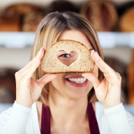smiling-woman-bread